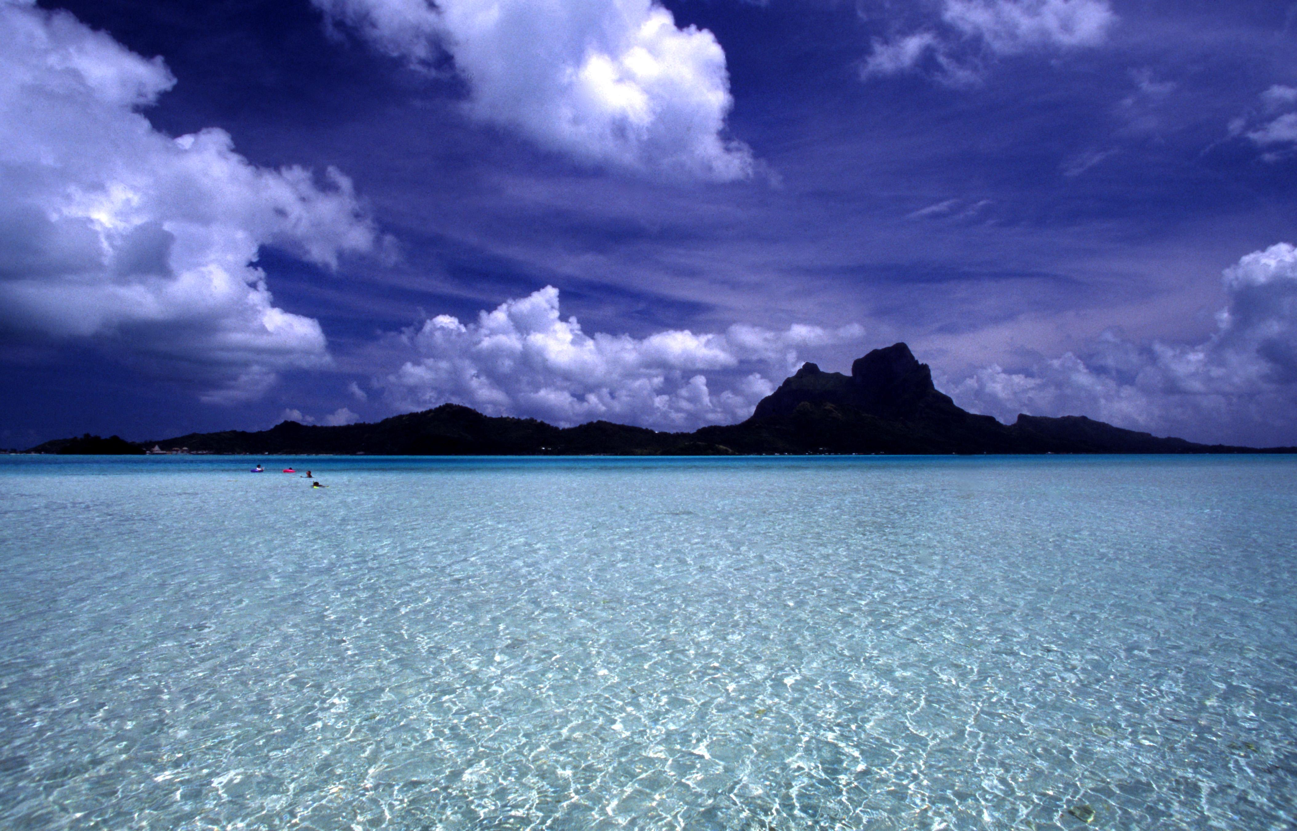 Bora Bora, French Polynesia - by Stefan Lins