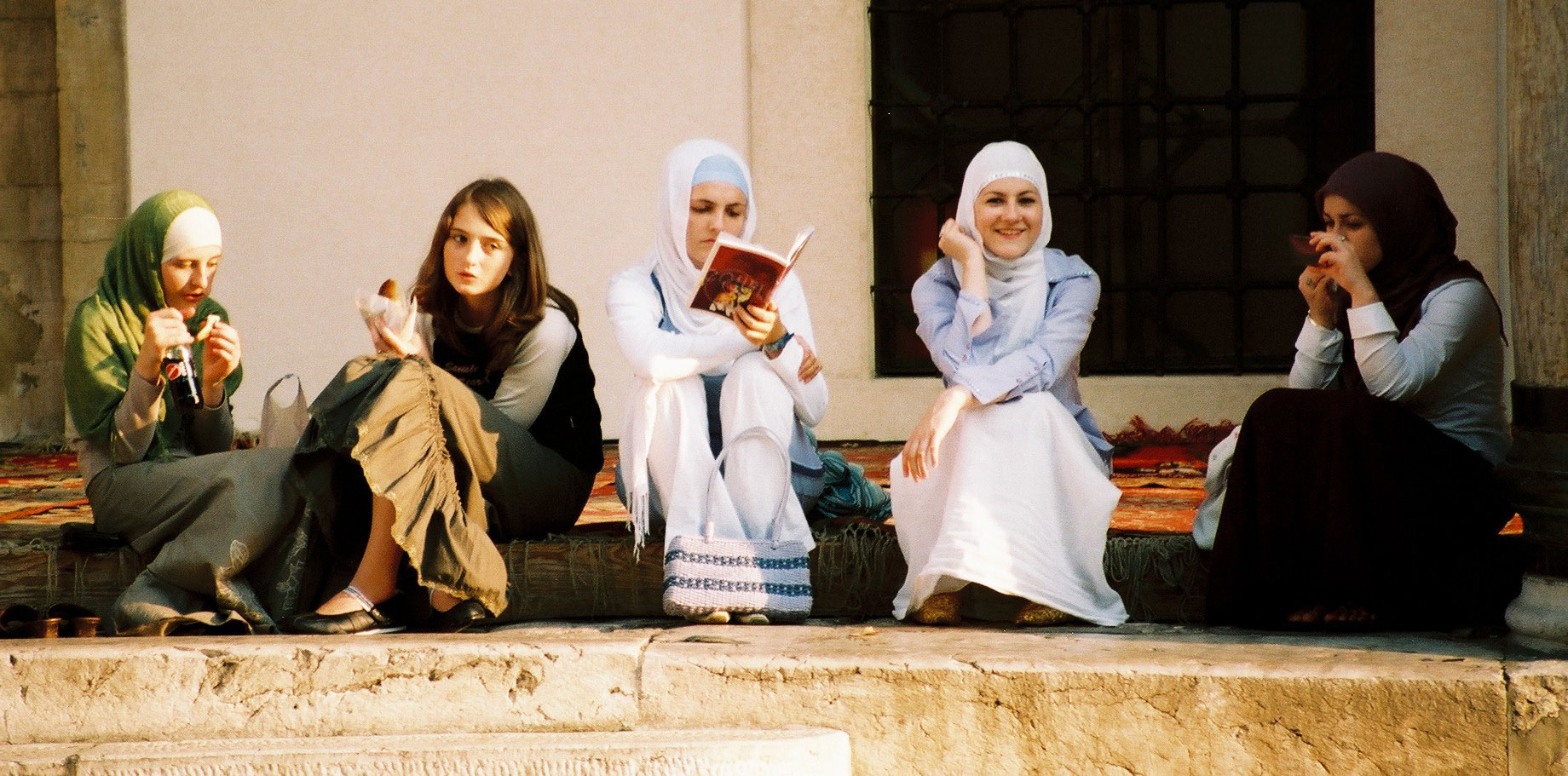 Girls chatting in Sarajevo, Bosnia - by Kashfi Halford