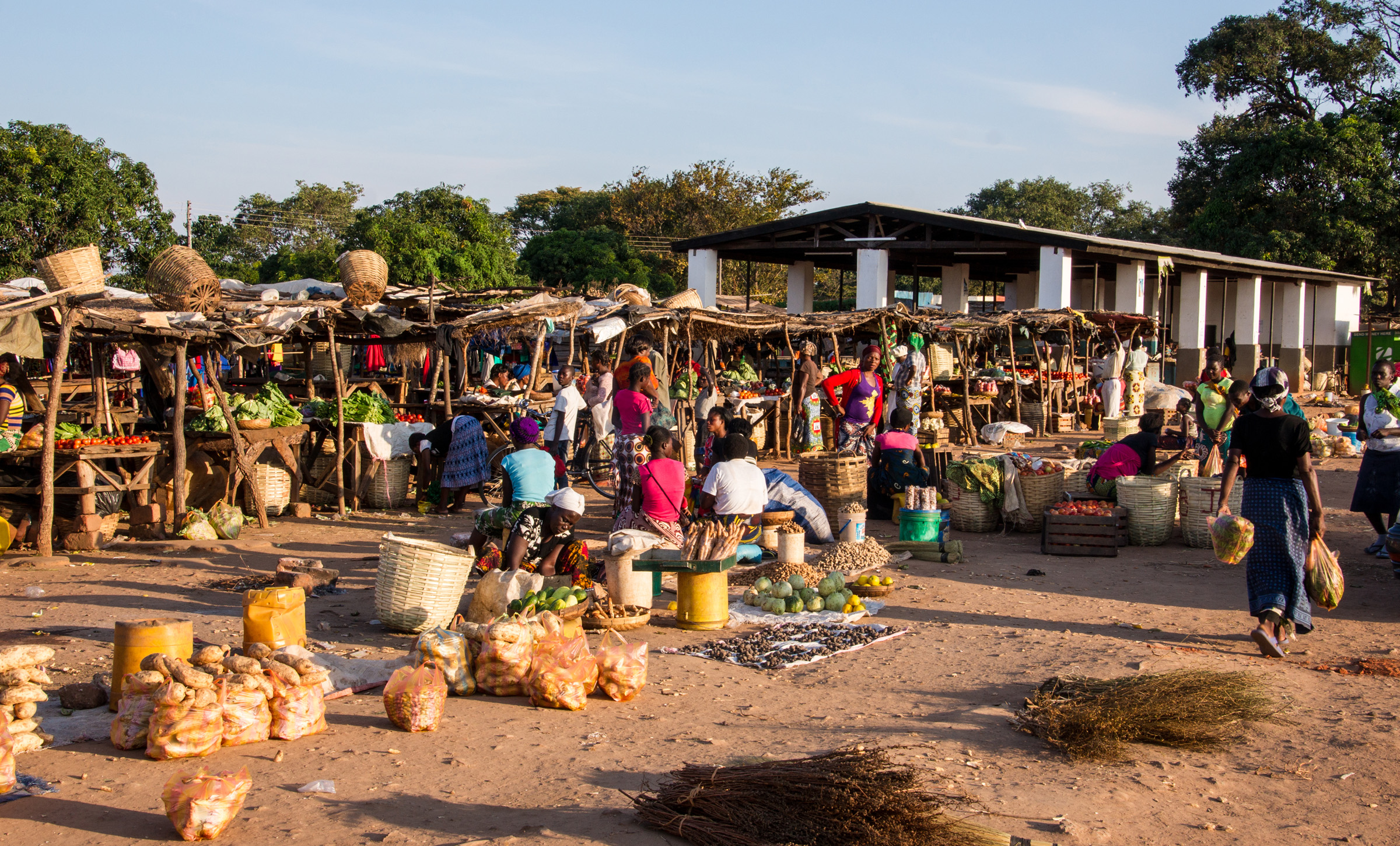 Market in Ibenga, Zambia - by JJ Vos