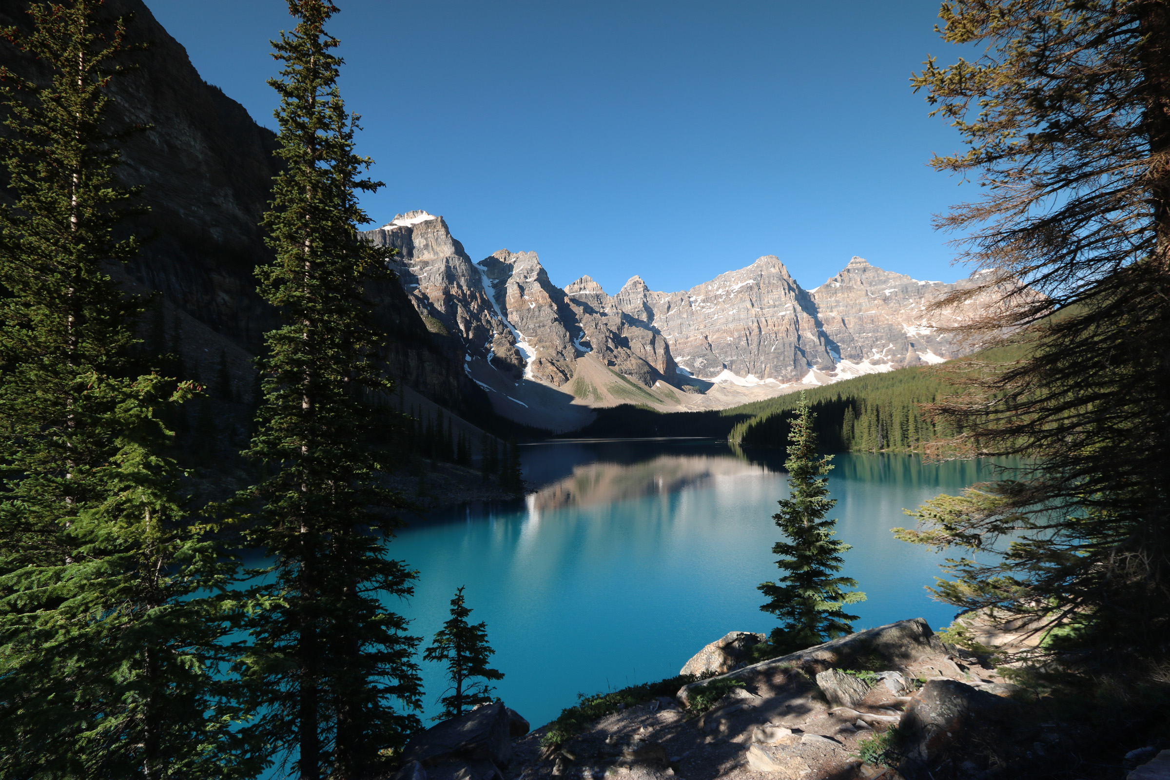 Moraine Lake, Canada - by davebloggs007