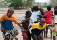 Children playing in Niomoune village in Senegal - by Valerian Gaudeau