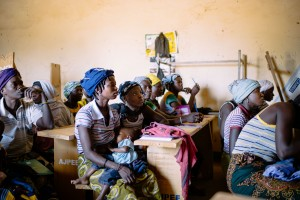 Beekeeper training in Yalka village, Burkina Faso - by Ollivier Girard