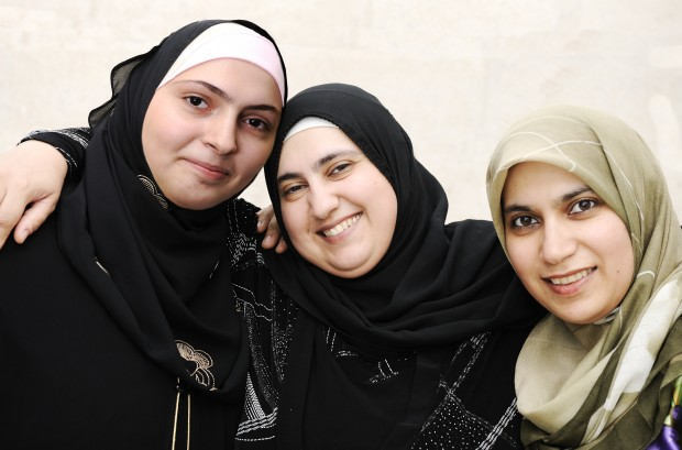 Use the internet to reach women in the Middle East